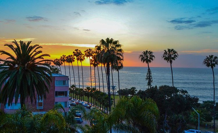 la-valencia-hotel-sunset.jpg