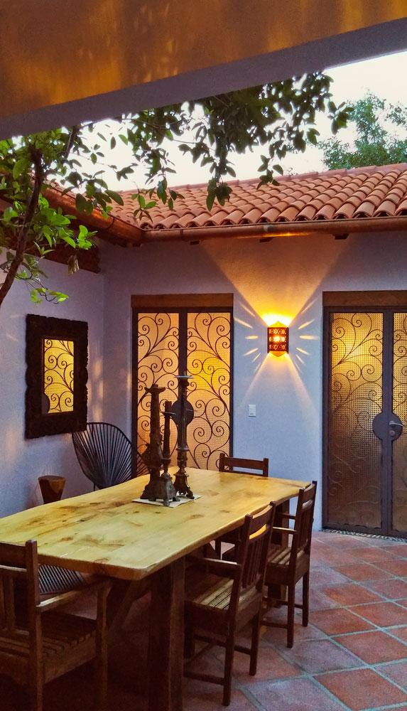 Casa-Joyero-Sayulita-11-dining-table-04-9.jpg