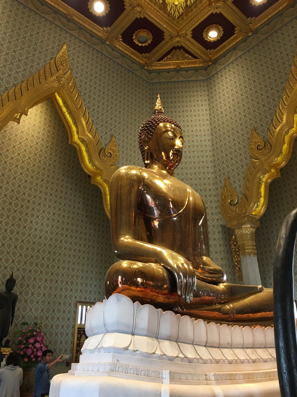 Wat Traimet is home to the world's largest solid gold buddha, apparently weighing 5 tons.