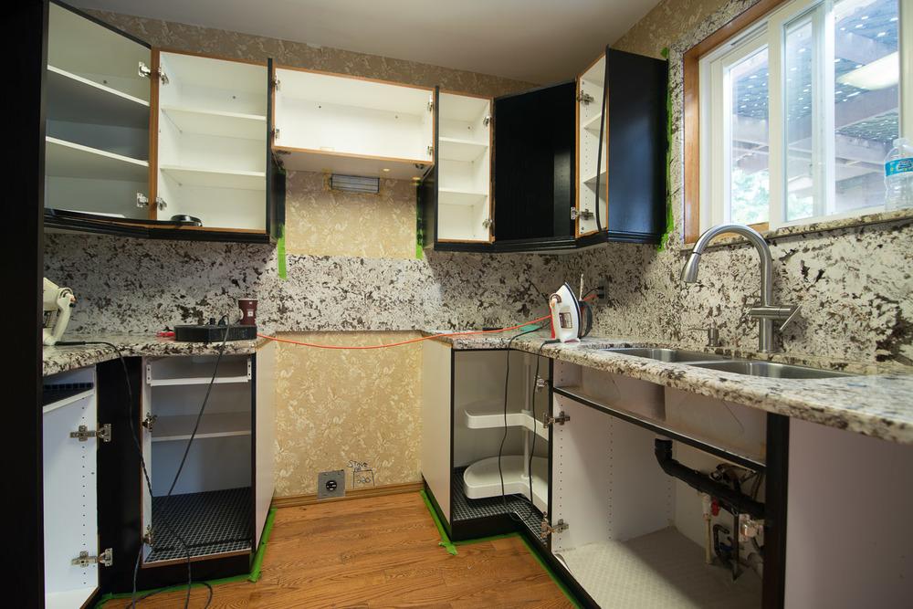 Black-Kitchen-Before-005.jpg