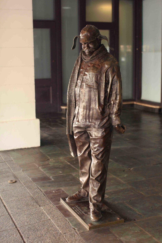 statue 01.jpg