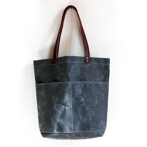 JENNENG STUDIO Canvas bags for your everyday.