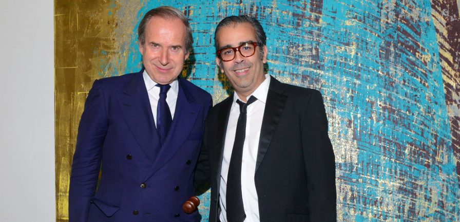 AUCTIONEER SIMON DE PURY WITH ARTIST ENOC PEREZ  | MTV STAYING ALIVE FOUNDATION | MTV RE:DEFINE 2016 | DALLAS CONTEMPORARY MUSEUM | THE GOSS MICHAEL FOUNDATION |  MASSIMO AGOSTINELLI  |