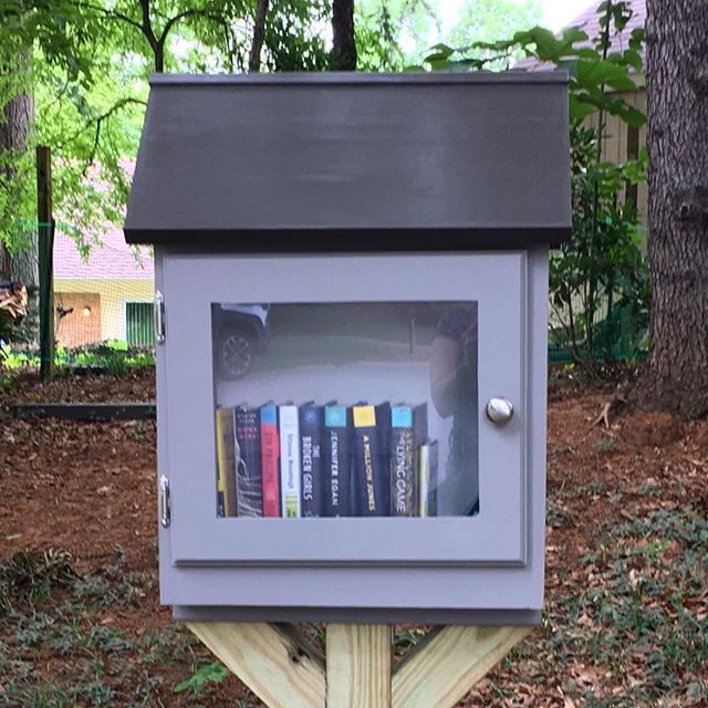 Woohoo! The Little Free Library is finished! 📚 #littlefreelibrary #bookstagram #bookworm #read #doitfortheprocess #woodworking