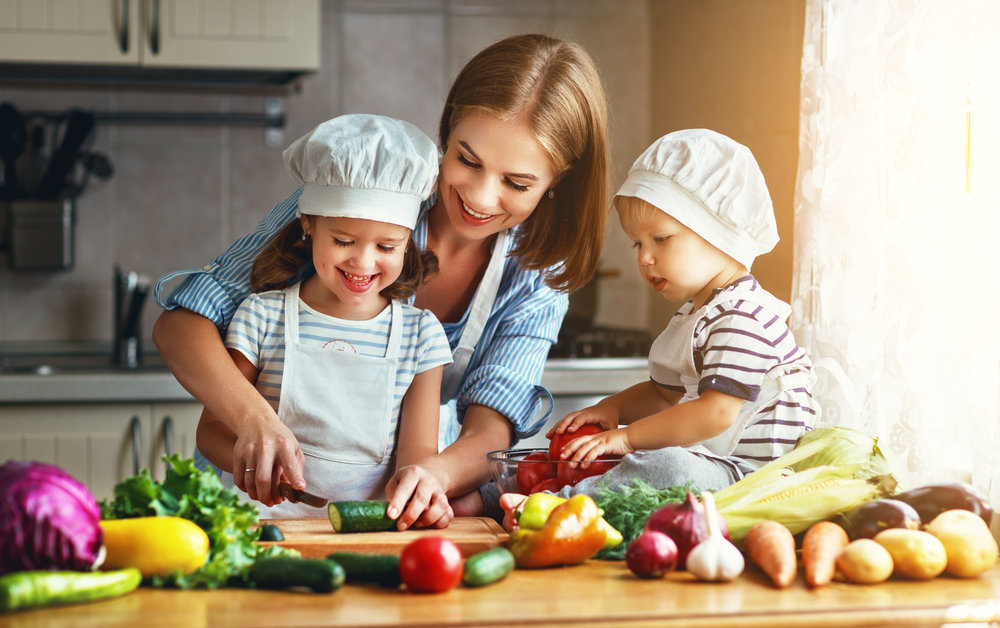 Kids cooking with mum