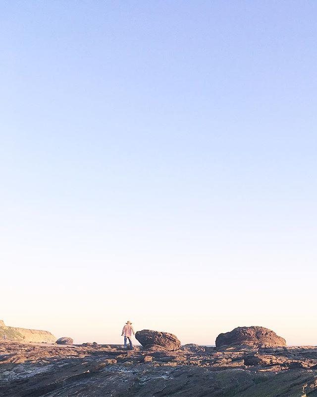 ⛰ T  A  K  E  A  H  I  K  E 🏜 . . . . #hikecalifornia #newport #latergram #hike #getoutside #california #sandiego #losangeles #westcoastbestcoast #ca #la #ocean #beach #rocks #newportbeach #shells #summer #spring