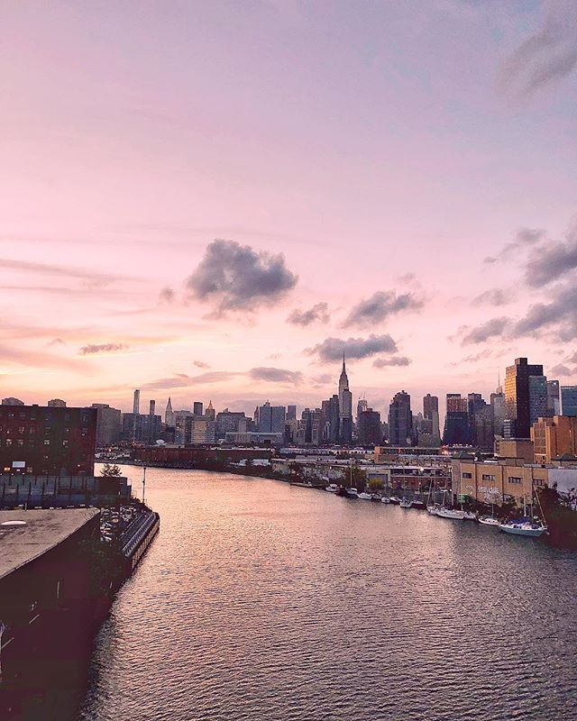🍂 R  I  V  E  R 🛶  B  E  N  D 🍂 . . . . ✏️: @kelseyyccollins #pocahontas #riverbend #nyc #newyorkcity #brooklyn #viewsbetterthanyours #viewsfrombrooklyn #pulaskibridge #greenpoint #lic #longislandcity #bk #bridge #winter #latergram #river #creek #newtoncreek #city #cityscapes #views