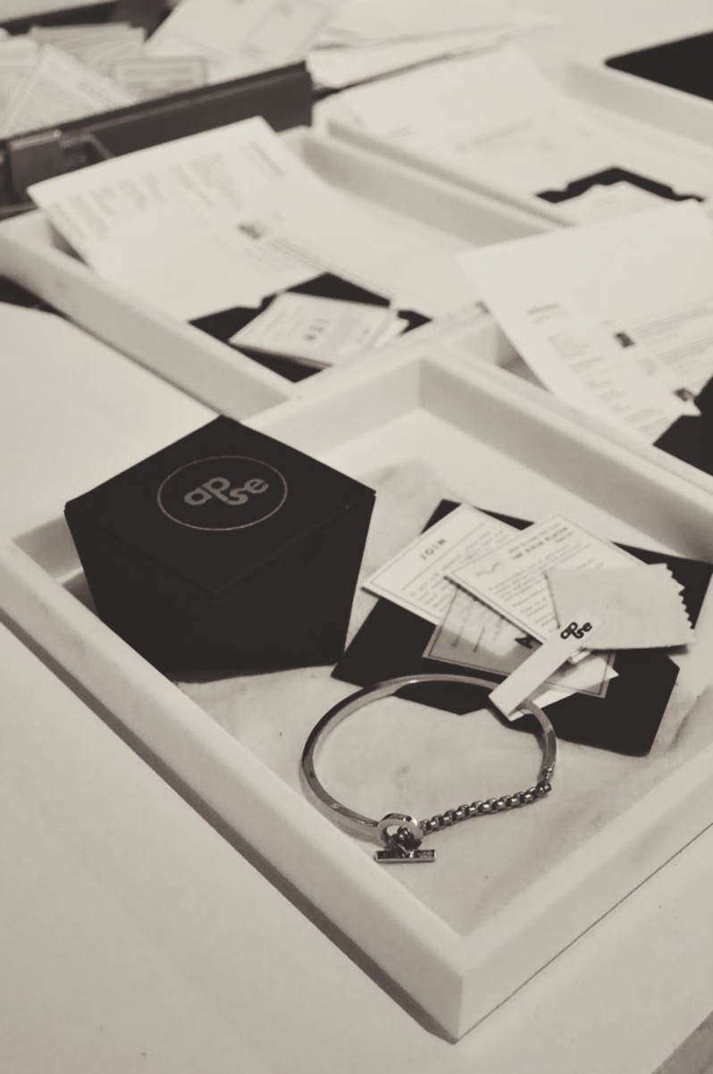 apse_bracelet_shipping