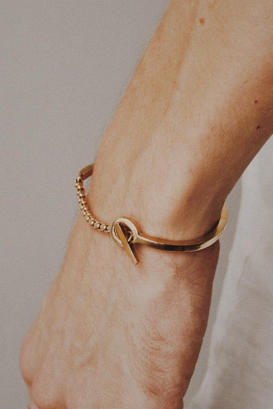 apse_gold_bracelet_cuff