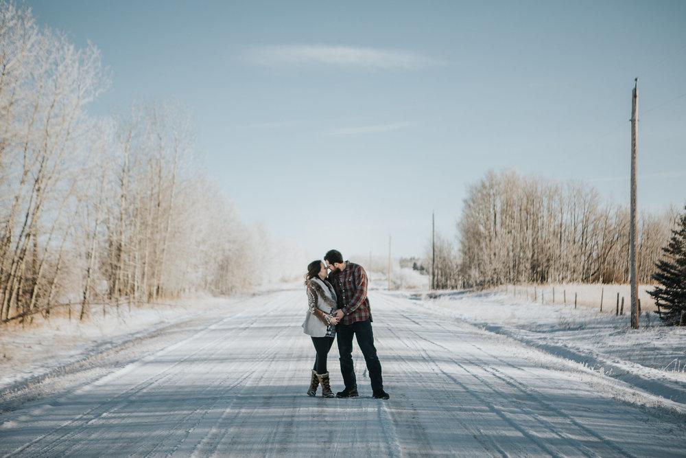 The nomadic wife maternity leave - Sara Jewell Photography Edmonton