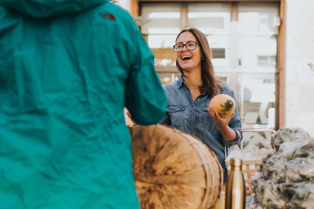 Edmonton Farmer's Market - The nomadic wife - sara jewell photography