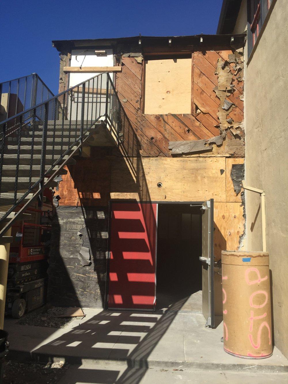 2018-10-12 Demolition of building exterior