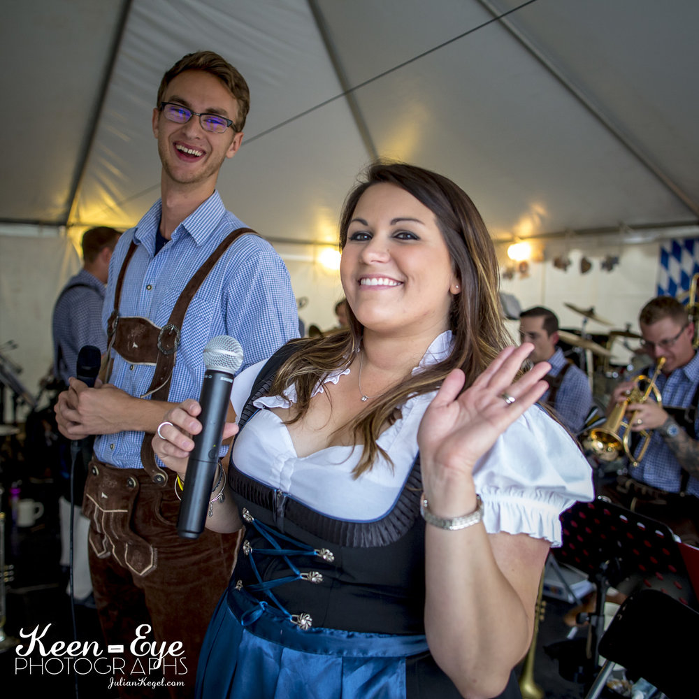 MUSIC LINEUP - Live music & authentic German dance schedule