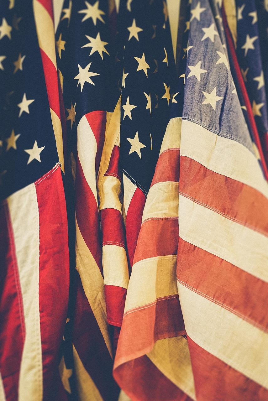 american-flags-1835400_1280.jpg