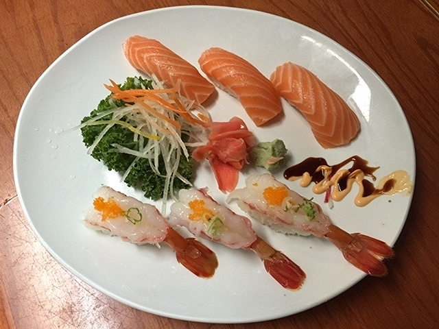 salmong and shrimp sushi.JPG