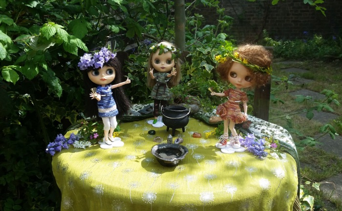 From Katrin's Beltane Sabbat photoshoot with Blythe dolls