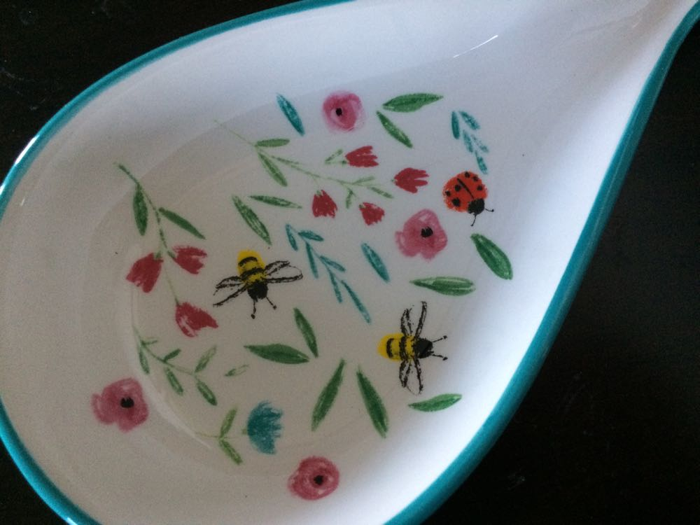 Bees, ladybugs and flowers, my favorites. What luck to have them all together!