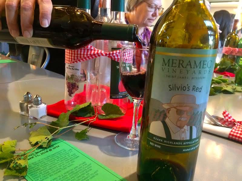 A delicious celebrating the contributions of Silvio! (Photo by Charlotte Ekker Wiggins)