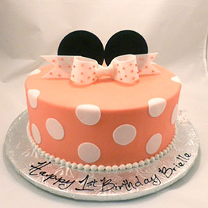 minnie mouse cake.jpg