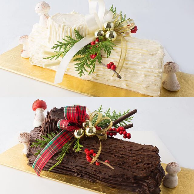 Buche de Noel Blanche or Buche de Noel Noire - which way will you roll this holiday? 🎄✨⛄️