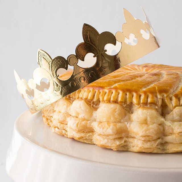 Celebrate Epiphany this weekend with a Galette de Rois! Our traditional King's Cake is made with flaky puff pastry filled with creamy almond frangipane. The person who finds the fève hidden inside is crowned royalty for the day! 👑