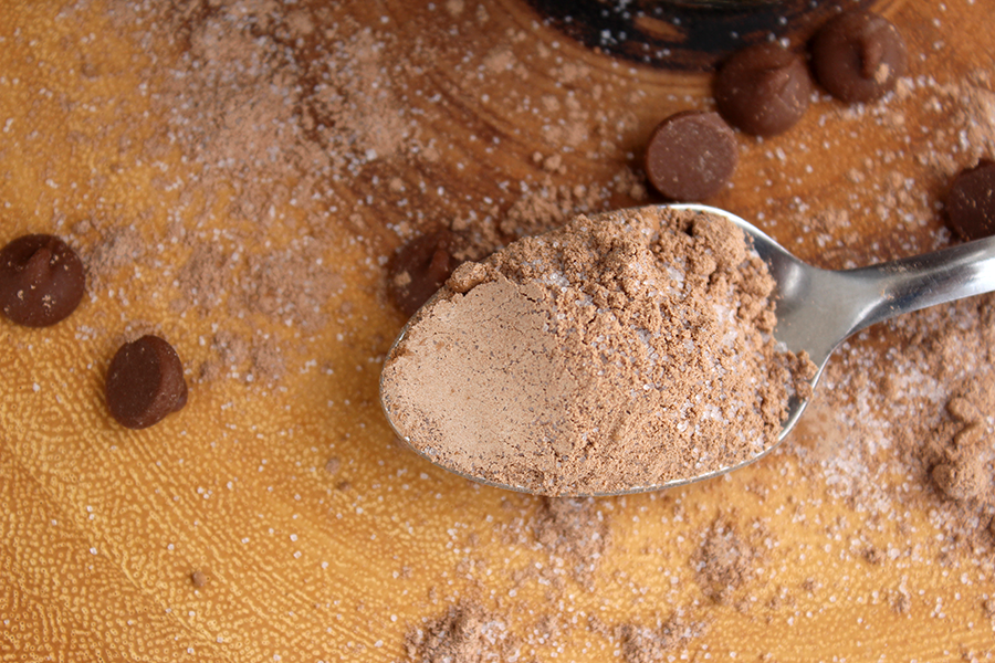 spoon of homemade chocolate pudding mix