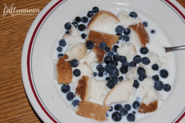 healthy breakfast with blueberries and bread