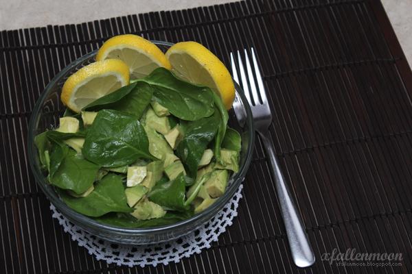 spinach lemon avocado salad