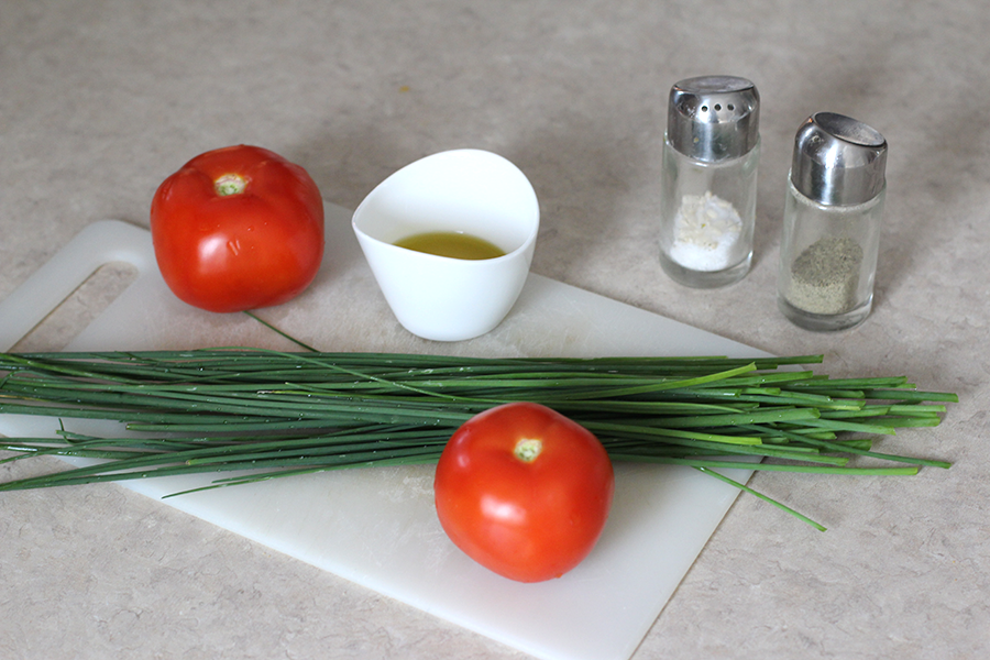 Chives, tomatoes, salt, peper and oil.