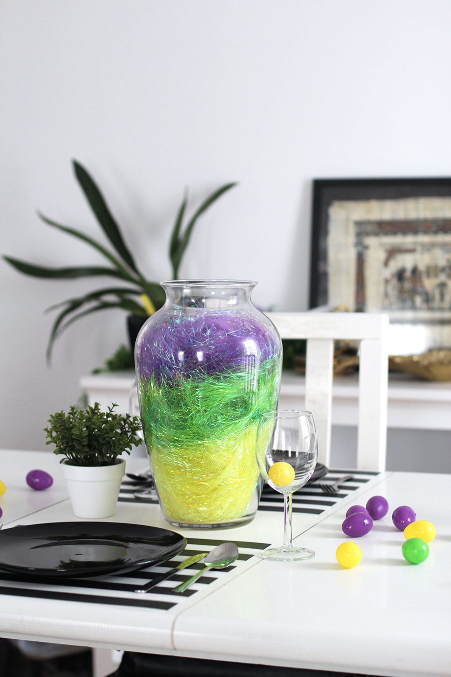 A quick and easy Easter center piece.