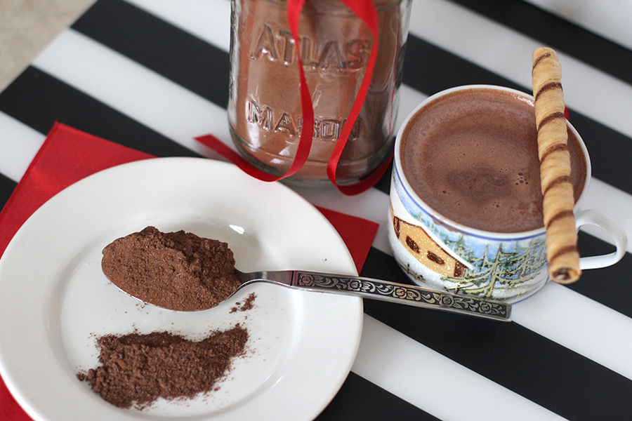Yummy, easy and fast homemade hot chocolate mix recipe.
