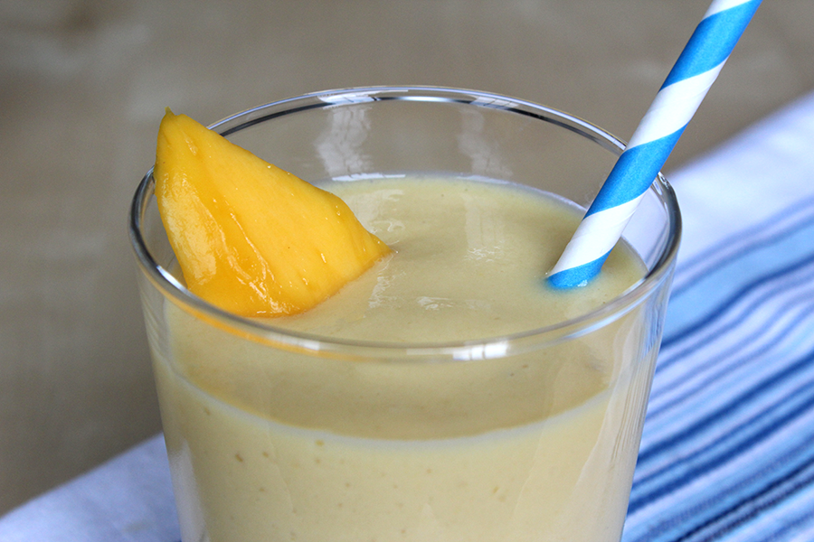 Yummylicious mango banana and maple syrup milkshake. Get the recipe here!