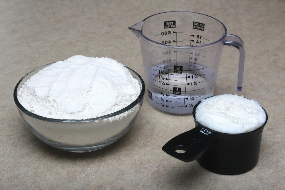 pie+dough+ingredients+flour+water+grease.jpg