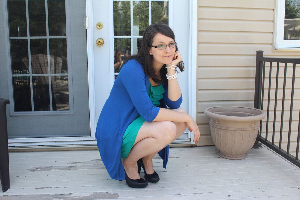 green and blue mom outfit with dress.jpg