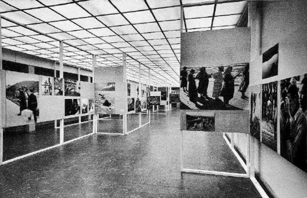 Magnum exhibition in  Photokina   1956 . Photo: Charles E. Fraser.