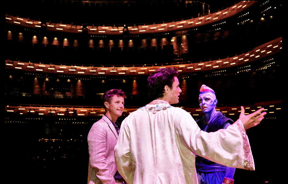 Frederik, Crown Prince of Denmark Johannes Nymark Pelle Hebsgaard Aladdin The Musical Royal visit backstage