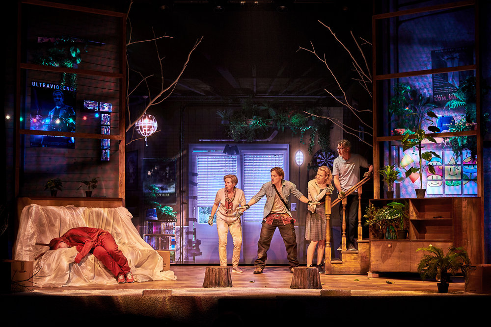 Problemet Med Douglas  Fredericia Teater