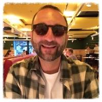 Maurício Curi é inovador social, contador de estórias e mentor nos programas e oficinas do CO•MO•VER