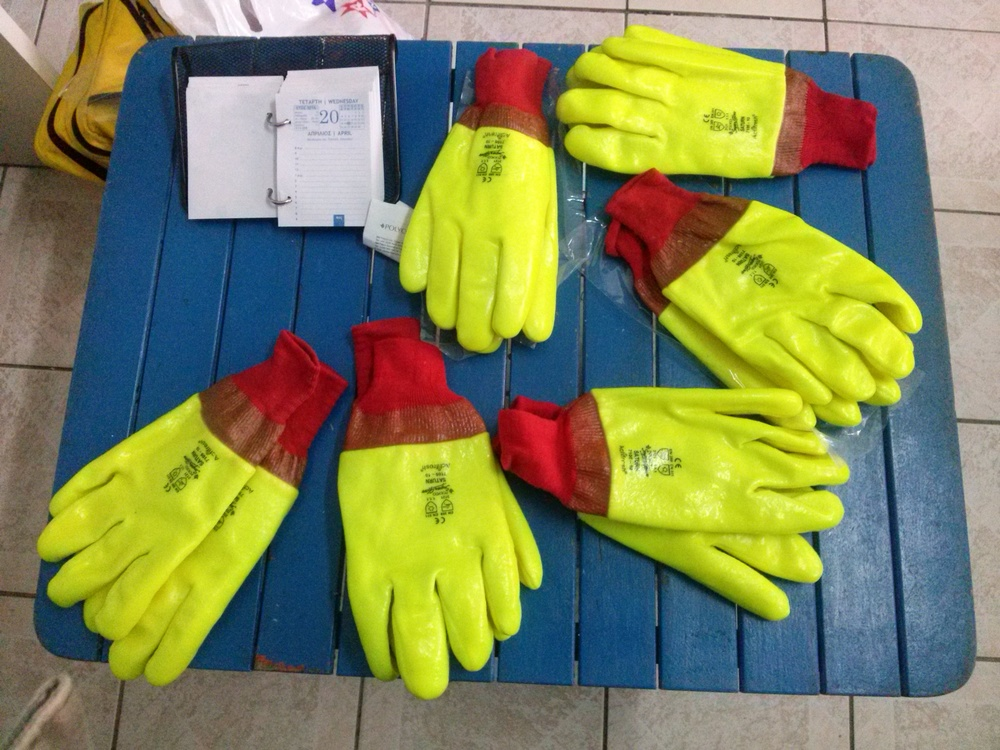 Saturn Waterproof gloves for the Coast Guard