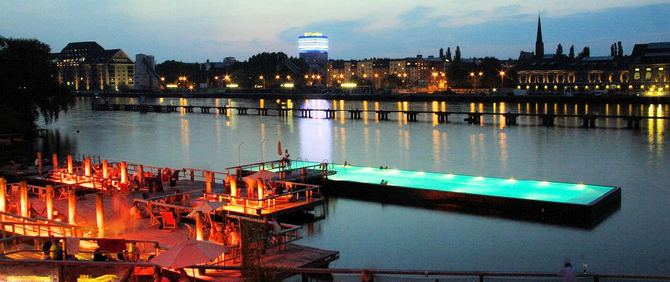 Best Bars Berlin ~ Badeschiff Escobar