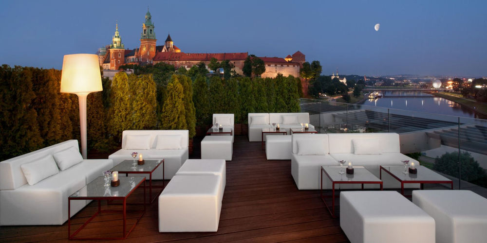 Best Bars Krakow ~ Taras Widokowy / Photo: taras-loungebar.pl