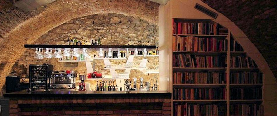 Best Bars Bratislava ~ Pod Kamennym Stromom