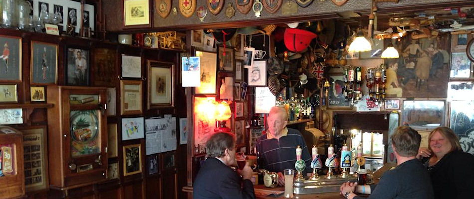 Best Pubs London ~ The Nag's Head / Photo: Best Bars Europe