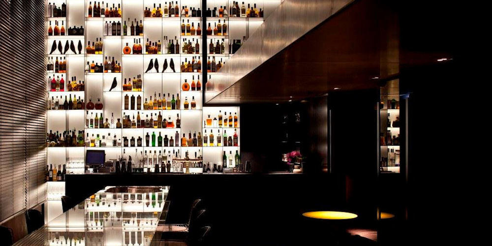 Best Bars Amsterdam ~ Tunes Bar / Photo: www.conservatoriumhotel.com