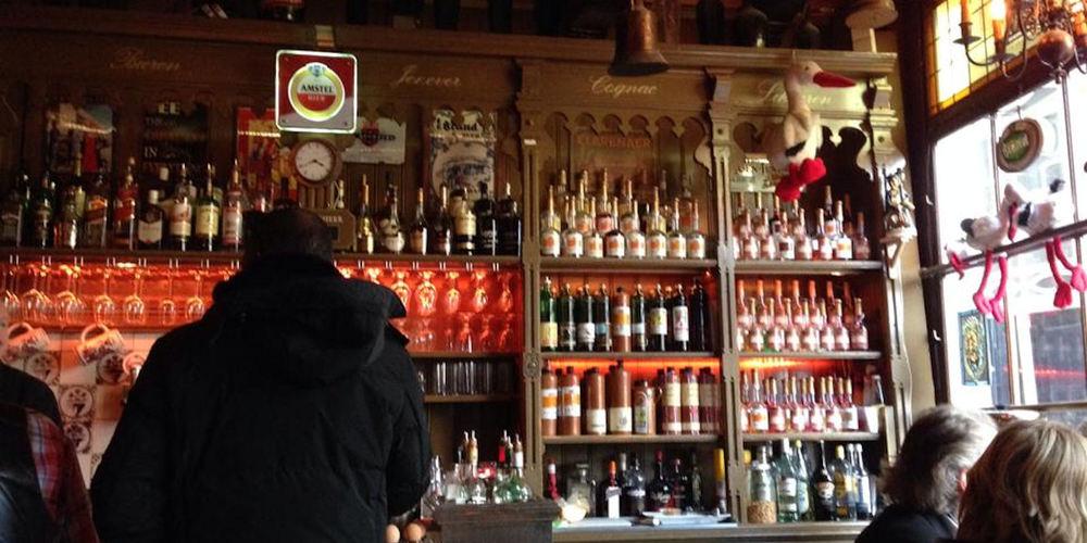 Best Pubs Amsterdam ~ Proeflokaal De Ooievaar / Photo: Facebook Proeflokaal-De-Ooievaar