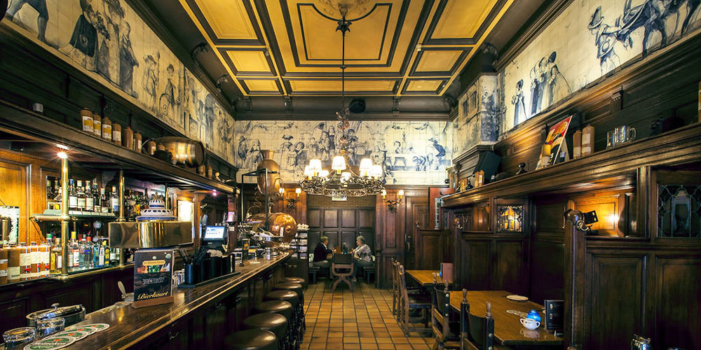 Best Pubs Amsterdam ~ De Blauwe Parade / Photo: dieportvancleve.com