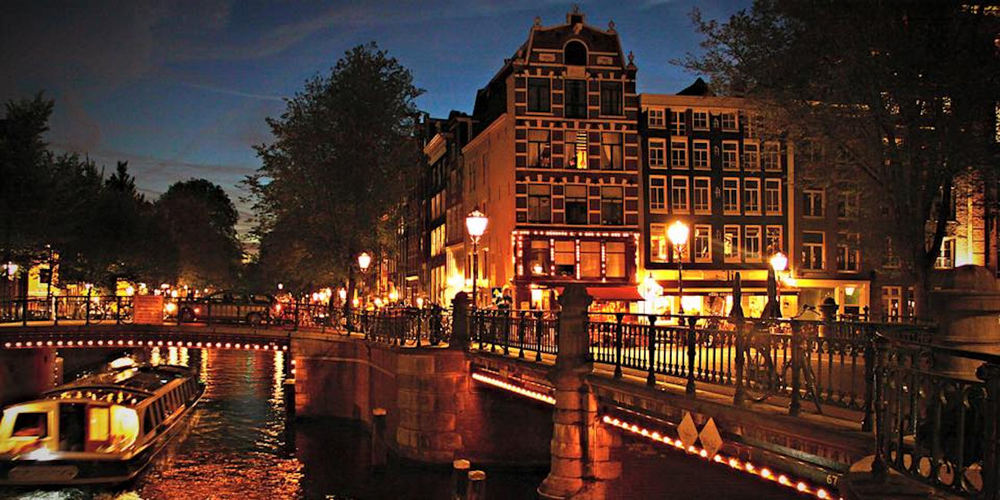Best Pubs Amsterdam ~ Cafe Pieper / Photo: Kim Chiara Goede cafepieper.com