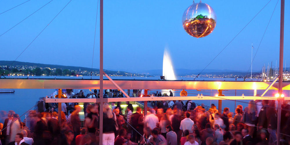 Best Bars Zurich ~ Seebad Enge / Photo: seebadenge.ch