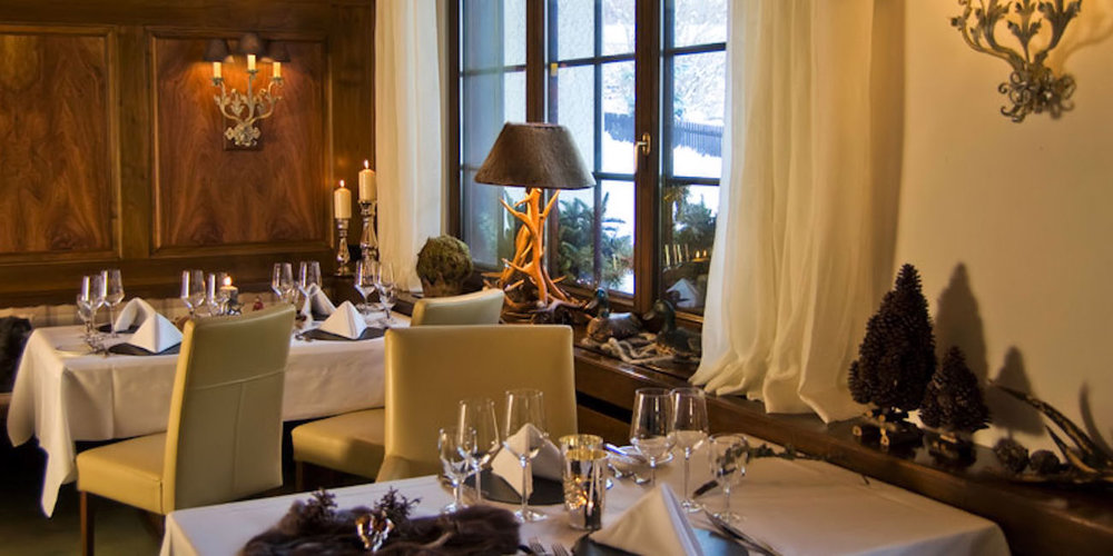 Best Restaurants Zermatt ~ Corbeau D'Or / Photo: hotel-mirabeau.ch