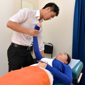 Dr Gary Tho singapore chiropractic clinic.jpg